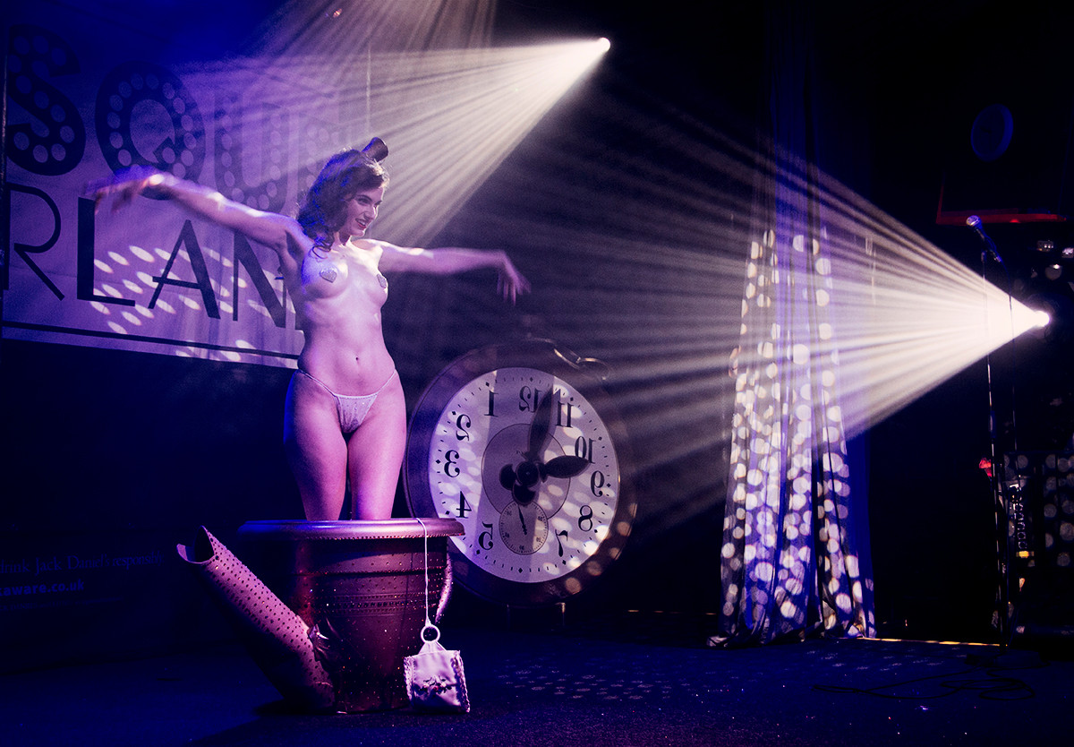 Review: Burlesque Wonderland – Alice Through the Martini Glass